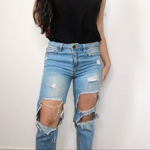 Contemporary Distressed Skinny Jeans